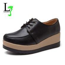 f088207bf Primavera Outono Mulheres Sapatos de Plataforma Mulher Brogue Flats De Couro  PU Lace Up Calçados Femininos