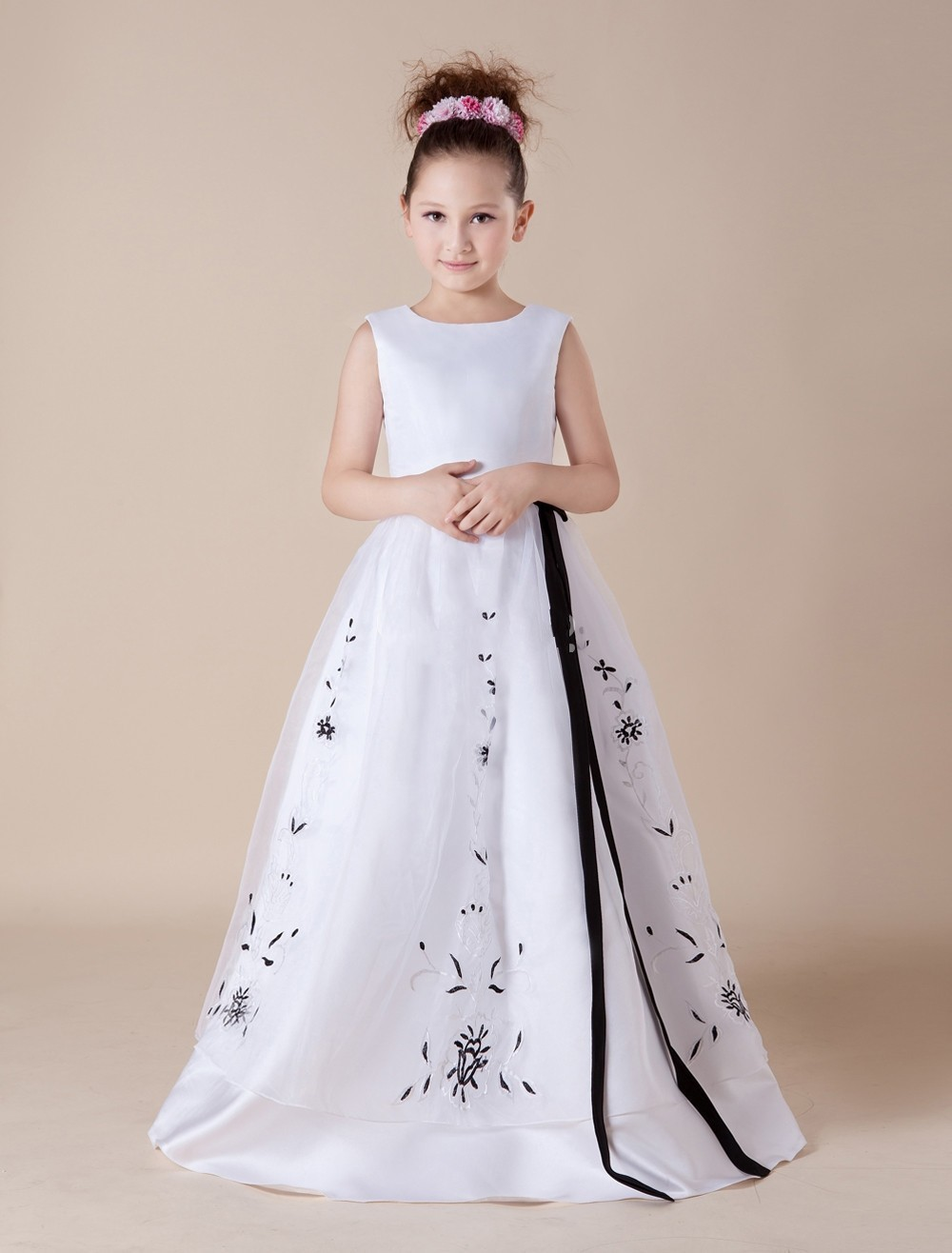 Embroidery Black And White Holy Communion Dress Long Simple Ball