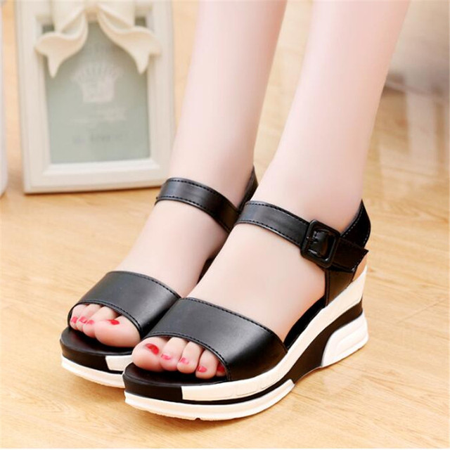 POADISFOO 2017 Summer Women platform sandals Strpe open toe  Casual Wedge Buckle sandals Crystal shoes For women 6 cm .HXQ-17