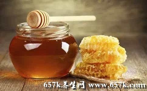 蜂蜜有哪些功效 多吃它帮你缓解便秘