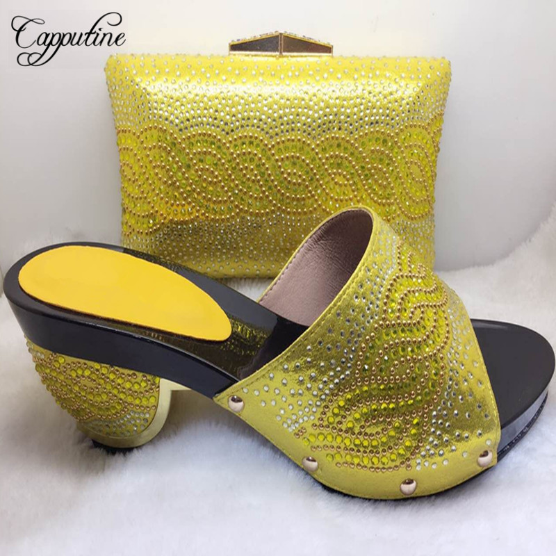 цены New African Crystal Shoes and Bag Matching Set Italian Style Woman Middle Heels Shoes And Bags For Wedding Party Free Shipping
