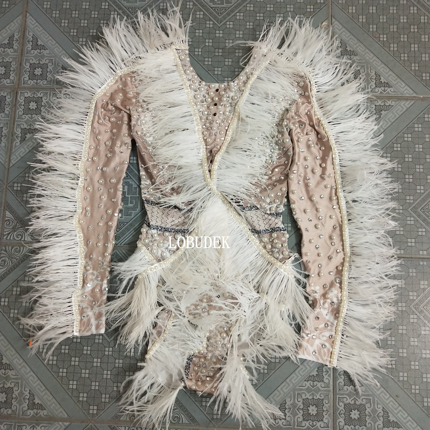 Nightclub Lady Singer Costume White Feathers Pearls Bodysuit Sparkly Crystals Tights Stage Wear Dancer Jazz Performance Costume
