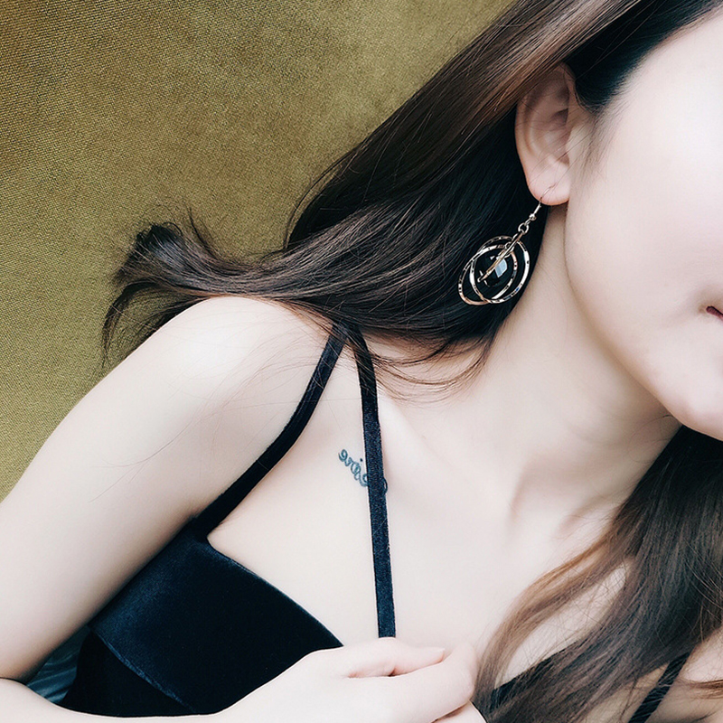 European And American Fashion Earrings for Women 2019 , Korea Temperament Tassel Circles with Black Big Crystal Drop Earrings