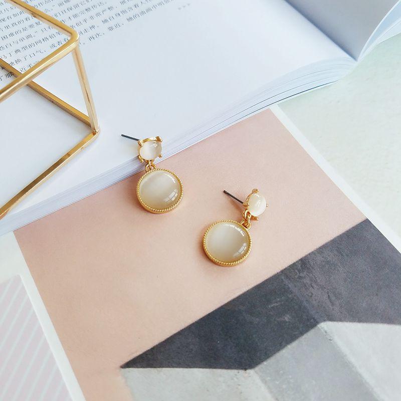 Fashion woman earrings stone Small opal stud earrings maiden temperament character joker geometric circular stud earrings