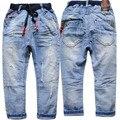 4022 luz azul niños jeans niños denim jeans pantalones niños del otoño del resorte 2017 nuevo pequeño agujero para niños ropa para niños moda
