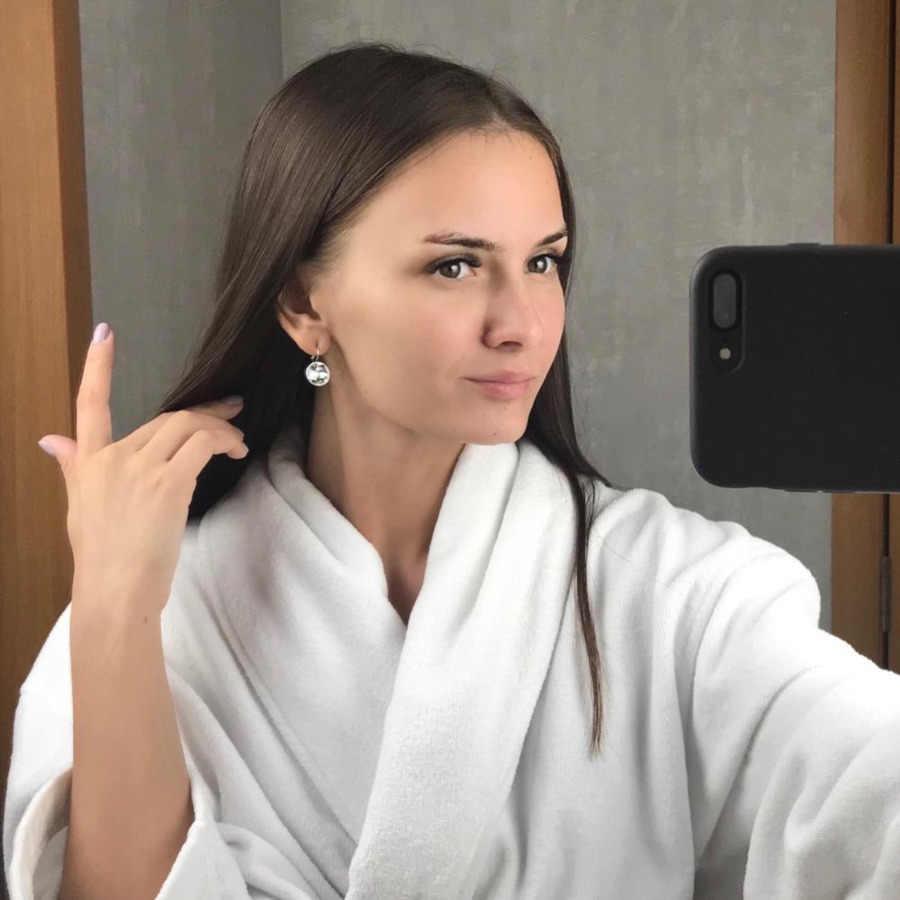 Kristal dari Swarovski Bulat Kecil Bella Stud Anting-Anting untuk Wanita Baru Fashion Warna Sliver Anting-Anting Perhiasan Pernikahan Gadis Hadiah