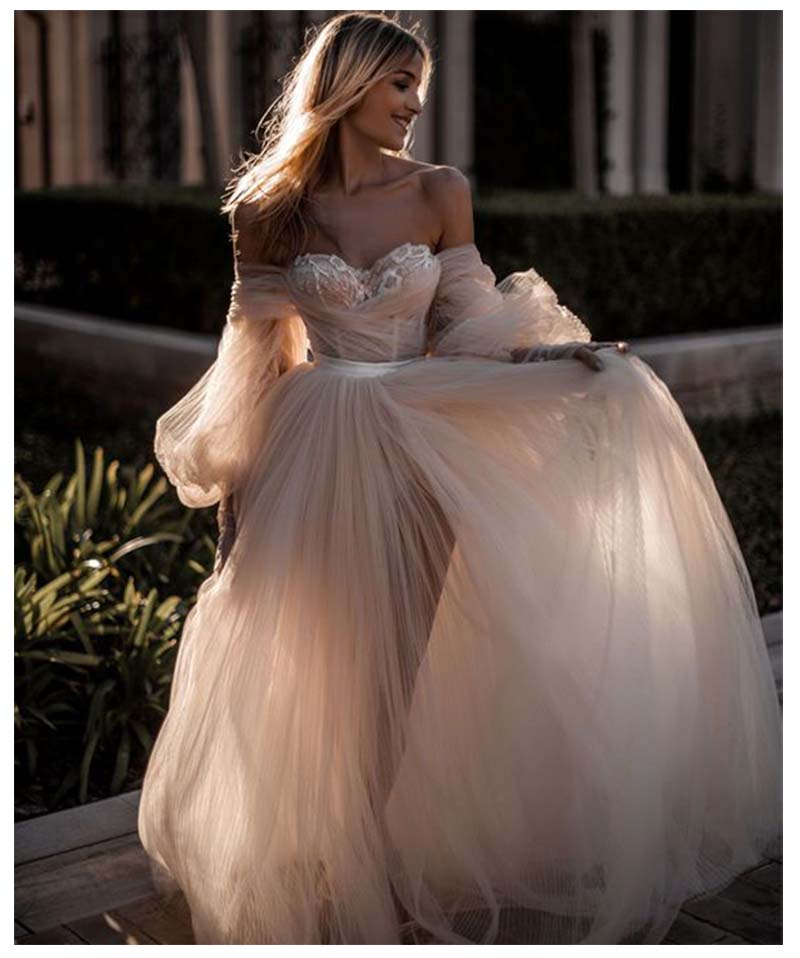 2019 Light Pink Princess Wedding Dress Sweetheart Appliqued Puff Sleeves Bride Dress A-Line Tulle Backless Boho Wedding Gown