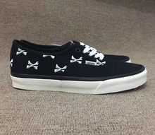 Vans classic men's authentic street embroidery cross bones canvas shoes for male skateboarding sneakers