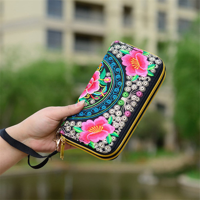 Flower Embroidered Wallet  2