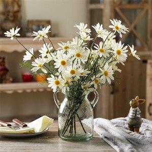 Image 2 - 5หัว/ประดิษฐ์Dasiyดอกไม้ผ้าไหมปลอมดอกไม้ตกแต่งStamen Daisyขนาดเล็กสำหรับงานแต่งงานดอกไม้ตกแต่งบ้าน