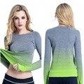 2017 nuevo deporte de invierno las mujeres del color del gradiente de camisa de manga larga elástico señora yoga t-shirt