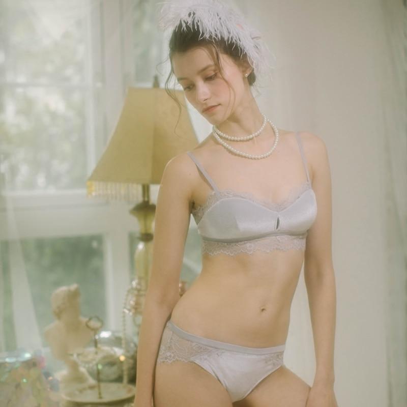 506c0dde3 Detail Feedback Questions about 2018 New Fashion Women Velvet Bra Underwear  Straps Hollow Bralette Panties Soft Trim Cotton Bra Sets Wire Free Push Up  Bra ...