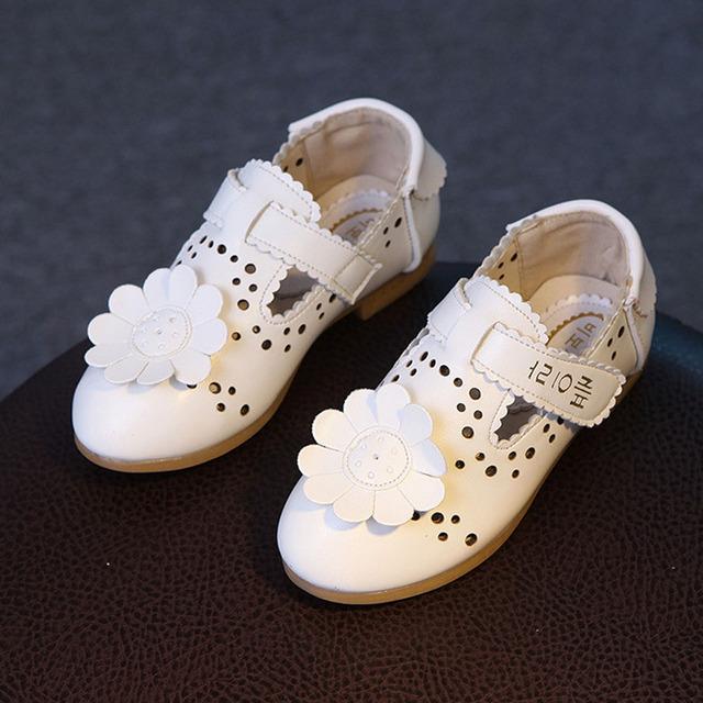 Coréia flor baby girl shoes 2017 primavera respirável infantis bailarinas cut-outs de verão das crianças ballet shoes crianças flats