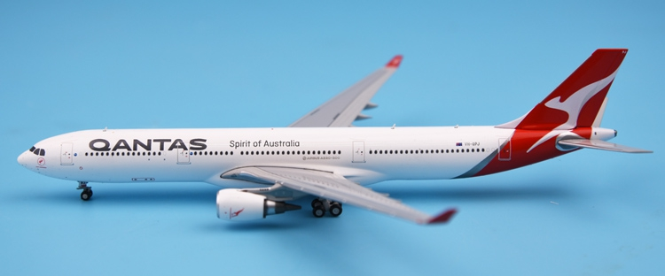 New product GeminiJets 1: 400 GJQFA1625 Australian Airways A330-200 Alloy aircraft model Collection model Holiday gifts fine phoenix 1 400 11198 thai airways b787 8 hs tqb alloy aircraft model collection model holiday gifts