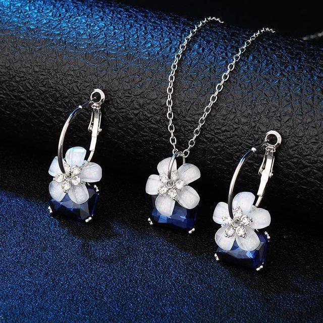 Flower Embellished Crystal Jewelry Set