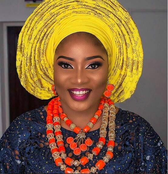 2018 Dubai or déclaration collier ensemble charmes 3 couches femmes corail perles africaines bijoux ensemble réel perles de corail pour les mariées ABH762 - 2