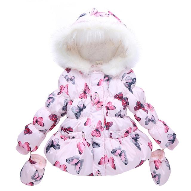 Crianças amassado jaqueta 2017 borboleta todo o jogo criança do sexo feminino amassado jaqueta de inverno gola de pele de algodão-acolchoado do bebê criança roupas