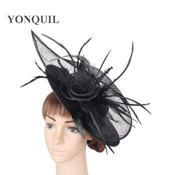 2e4eca97b6d70 De imitación negro Sinamay fascinator sombrero para la Copa de Melbourne de  las carreras de Ascot kentucky boda con pluma flores tocados base