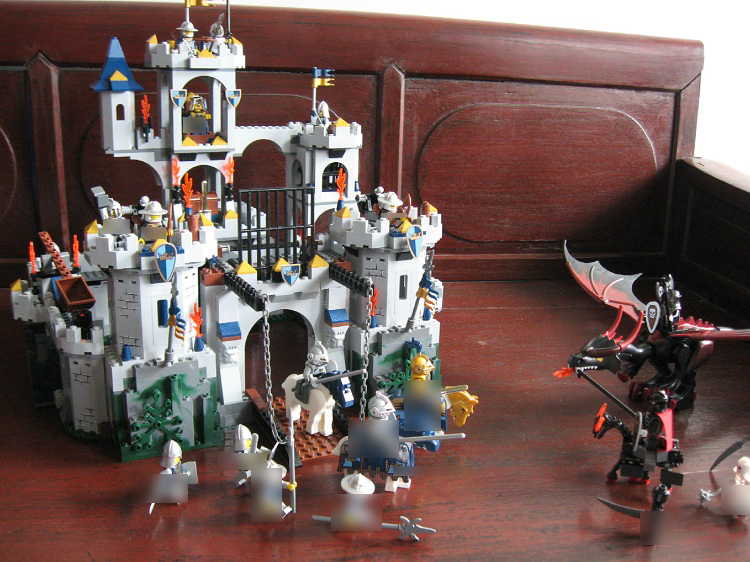 LEPIN 16017 2025pcs Castle Series Kings Castle Siege Model Building set Blocks Bricks classic house Toys for children 7094 lepin 16017 king s castle siege building bricks blocks toys for children boys game model gift compatible with bela 7094