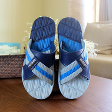 2017 New Mens Flat Home Slippers Summer Indoor Floor Shoes Non-Slip Massage Bathing Shoes Slippers For Summer Men Sandals O2293