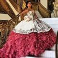 Barato Branco Bordado Vermelho Vestidos Quinceanera 2016 vestido de Baile Frisado camada Ruffles Doce 16 Vestido Vestidos De 15 Años QR1