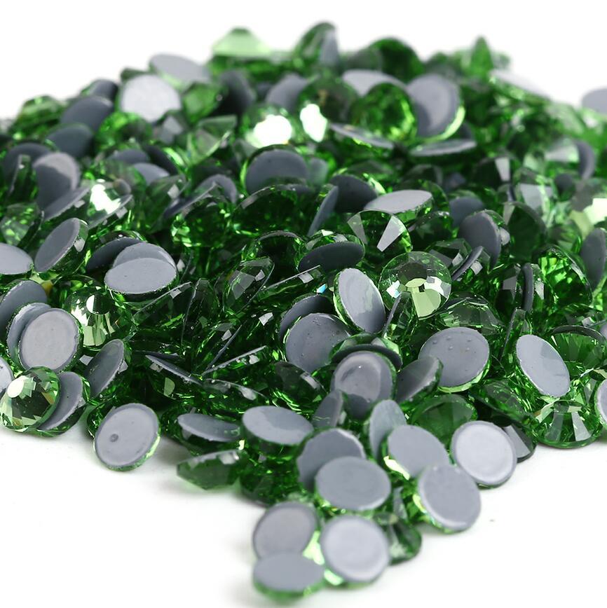 Все размеры 40 цветов кристалл AB исправление стразы, Стекло Стразы исправленное железо на Стразы для дизайна ногтей шитье и ткань Decoretion - Цвет: Peridot