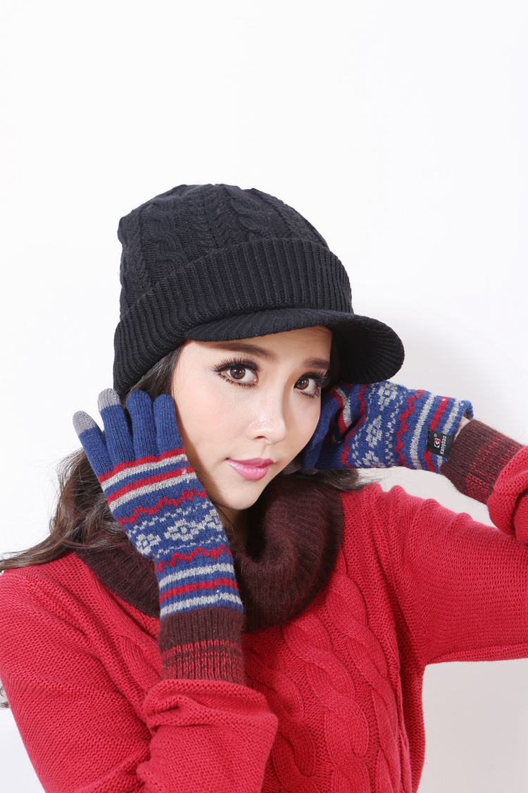 Free Shipping Autumn and Winter Hat Female Knitted Cap  Winter Skullies Warm Hats For Women skullies hot sale female tide leather braids knitted cap autumn and winter women s curling ear warmers headgear 1866784