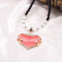 2018 New Pink Peach heart pendant necklace, lovely lady love micro-inlaid beaded sweater chain explosion wholesale(China)