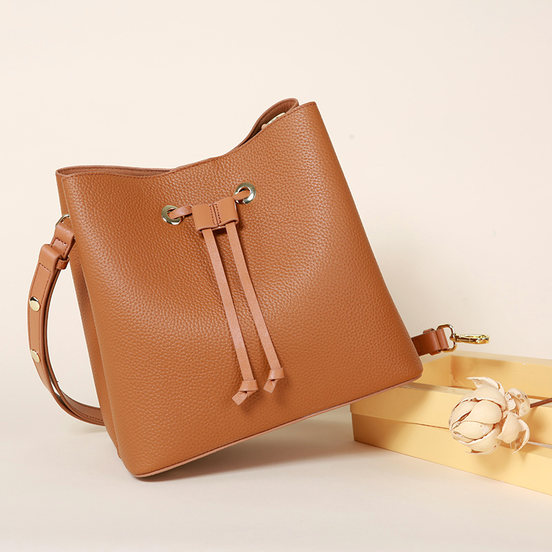 Women's Leather Fashion Litchi Line Drawstring Shoulder Bags Large-Capture Leather Wallet Drawstring Shoulder Bags цена