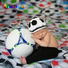 2018 Infant Boy Knitted Photography Props 1set Crochet Baby Football Hat shorts Set Newborn Photo Costume MZS-15046(China)