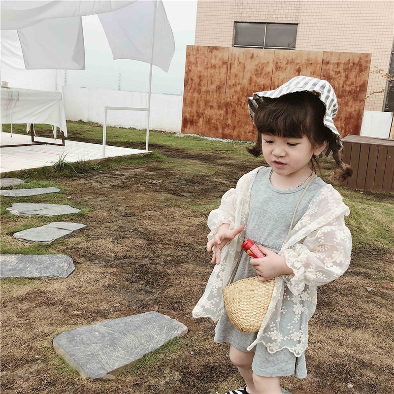 Princess Girl Lace Sunscreen Coats Enfant Baby Children Hooded Sunscreen Clothing 2019 New Beige White Color Kids Fairy Clothes
