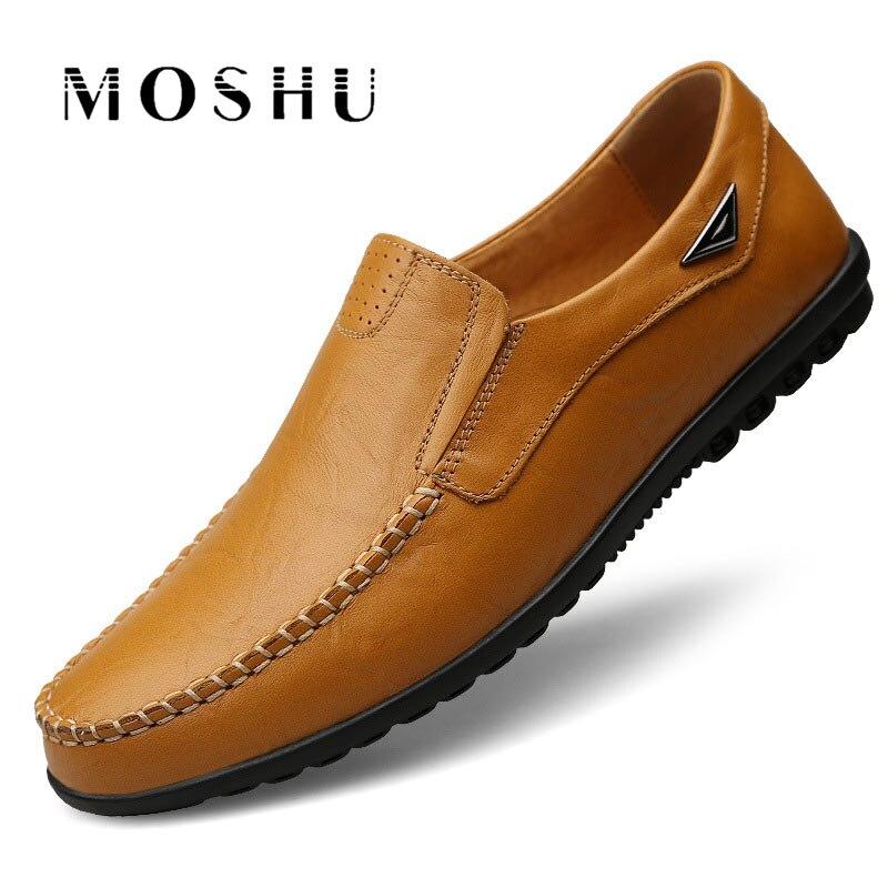 f793155acecf7c Vente Véritable Chaussures En Cuir Hommes Mocassins Appartements Chaussures  Respirant Italien Chaussures de Conduite Concepteur Mâle mocassin homme  Plus ...