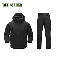 FREE SOLDIER soft shell Outdoor Camping&hiking Clothing Hunting Tactical Clothing Sets Instant Waterproof Men's Jacket and Pant