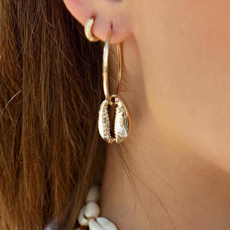 Fashion Girls Bohemian Style Cowary Shell Big Circle Drop Earrings High Quality Metal Shell Dangle Earrings for Women Jewelry