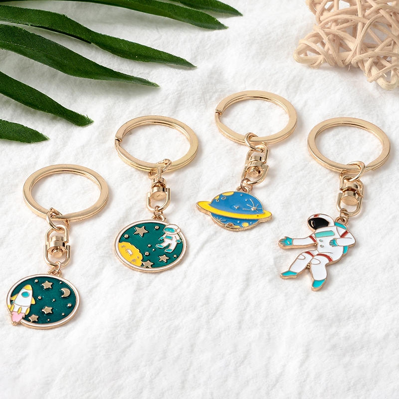 Galaxy Planet Astronaut Keychain 4 Styles Outer Space Universe Sky Rocket Keyring For Women Men Key Chains Fashion Jewelry Gift