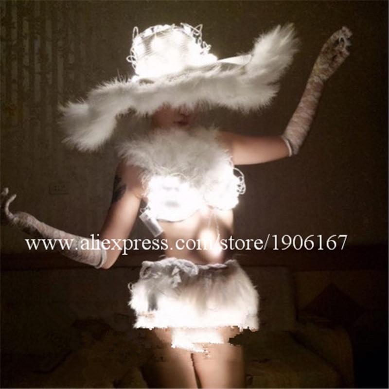 Pas cher prix nouveau Design Led couleur blanche Sexy fille femmes soutien-gorge Shorts et chapeau ailes vêtements montrent scène Performance