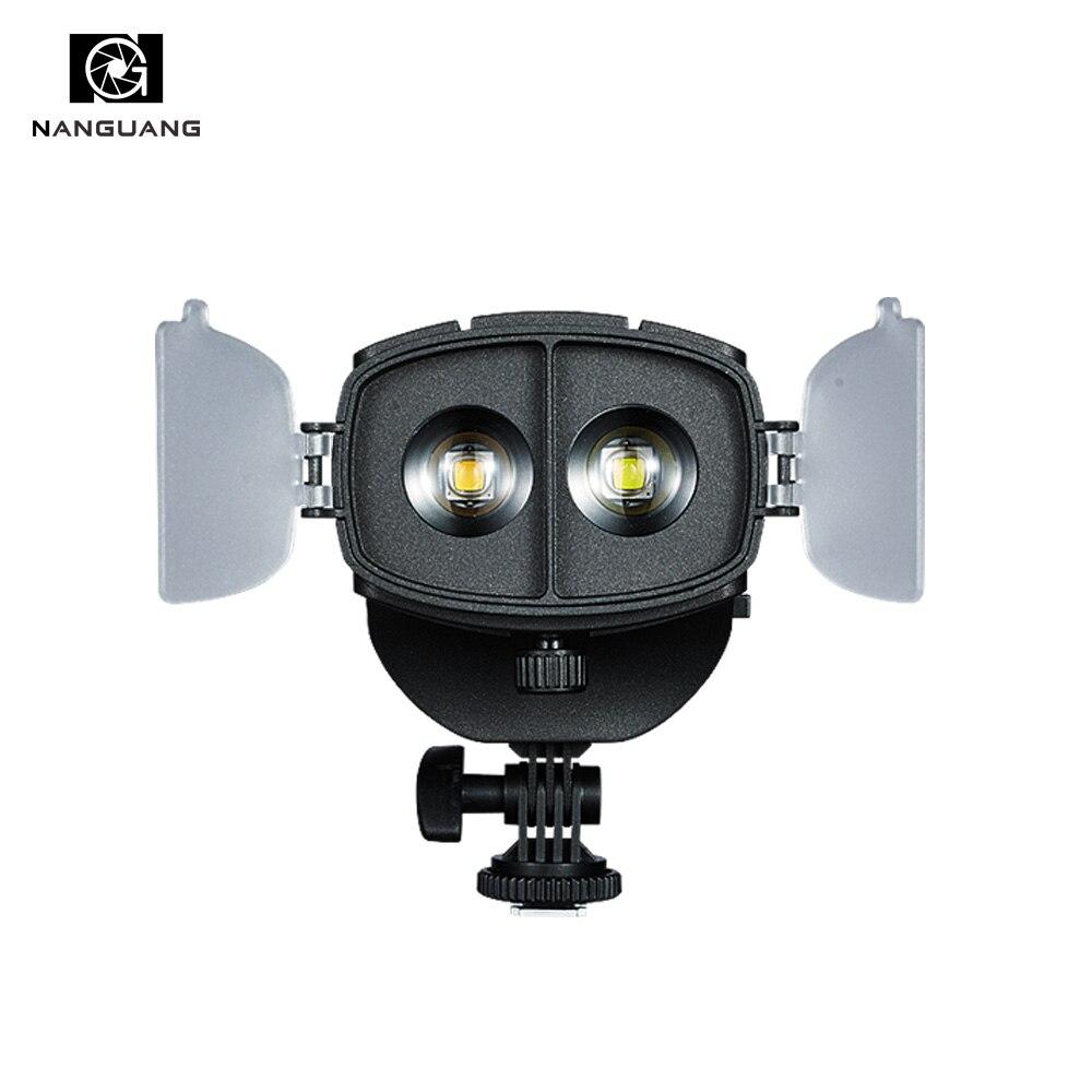 20 w LED sur Caméra Projecteur bicolore 3200 k-5600 k LED Fresnel Lightwith Angle D'éclairage Réglable + Sac léger