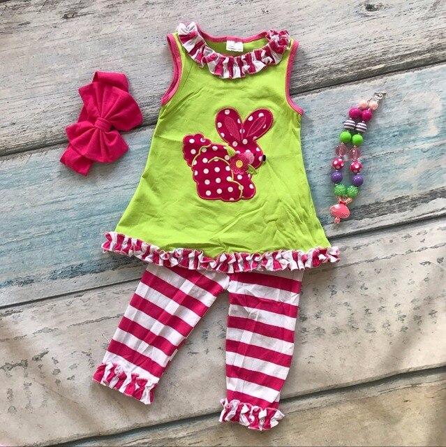 Детские маленькие девочки бутик одежды наборы Пасха наряды девушки оборками хлопок полосатые брюки устанавливает летний наряды с аксессуарами