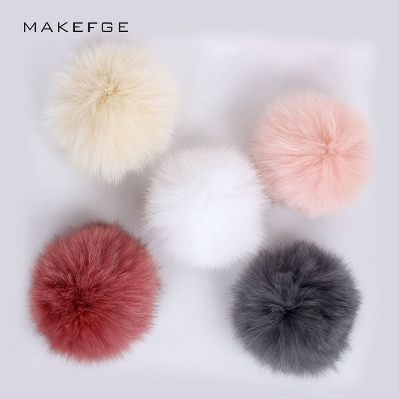 New Winter Real Fox Fur Pompon for Women Hats Fur Pom Poms for caps Fluffy DIY Winter   Skullies     Beanies   Knit Pompon Accessories