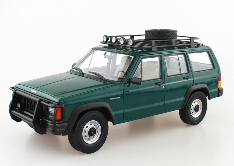 1:18 Diecast Model for Jeep Cherokee 2500 Green SUV Alloy Toy Car Miniature Collection Gifts 1 18 bjc jeep 212 with cannon army military suv diecast alloy metal suv car model toy boy girl birthday gift collection hobby