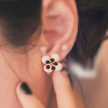 Enamel flower earrings new fashion sweet lovely ladies section Temperament female Earrings