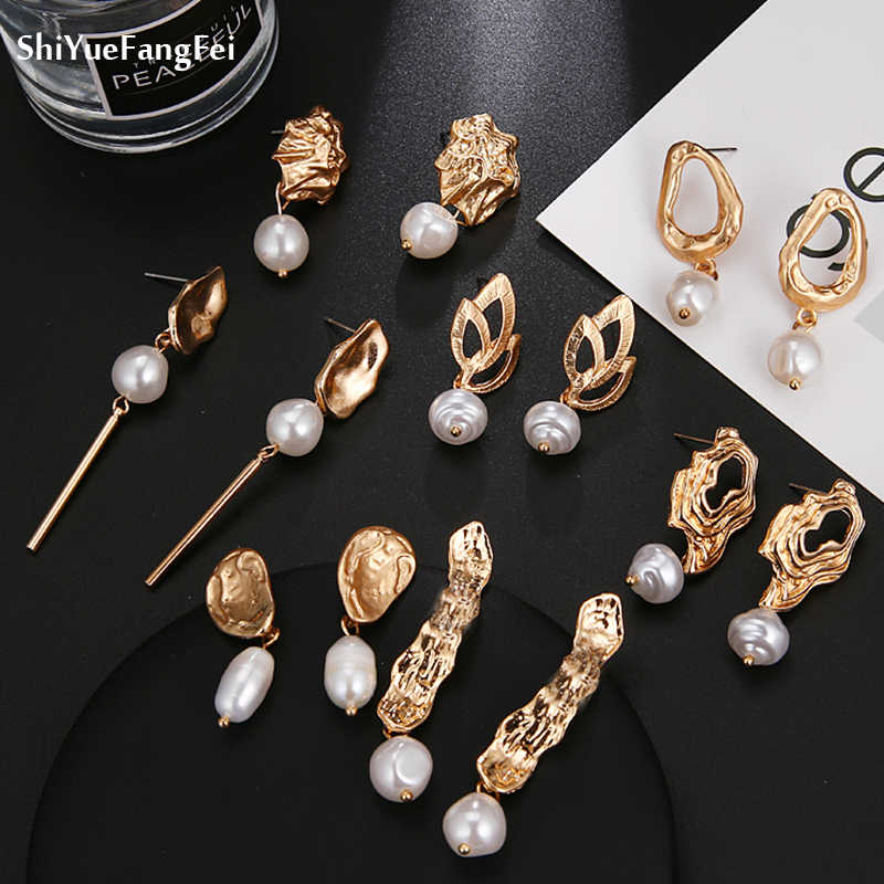 2019 New Matte Metal Gold Love Heart Triangle Geometric Irregular Natural Freshwater Pearl Stud Earrings Women New Year Gifts