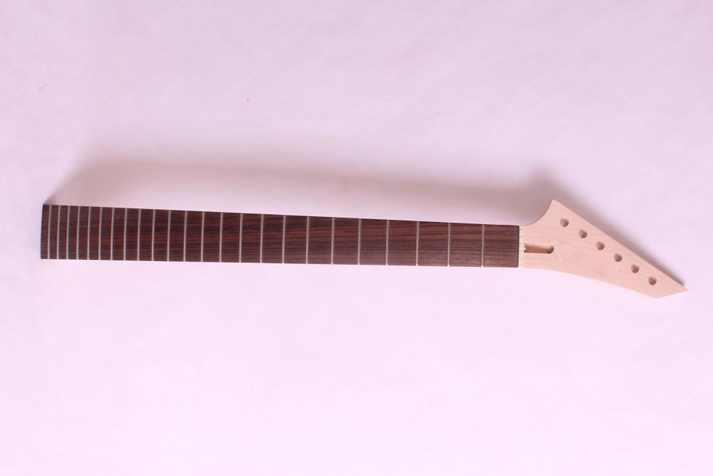 1 pcs   unfinished electric guitar neck mahogany   made and rosewood  fingerboard Bolt on 22 fret