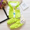 Novo 2016 Outono Bebê Define Bebê Infantil Roupas Das Meninas Bonito Casaco + t-shirt + calças 3 pcs Bebê Terno dos esportes Roupas De Algodão Importado