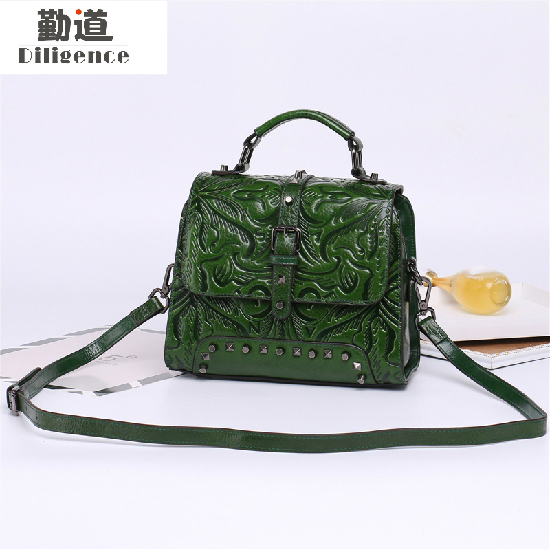 Фотография Geunine Cowhide Leather Women Handbags Rivets Mini Shoulder Crossbody Bags Vintage Chinese Style Top High Quality 2017