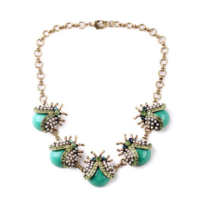 Moda europeus e Americanos de jóias por atacado direto da fábrica de anti-perfuração retro embutidos feminino colar de inseto joaninha