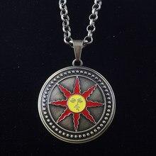 Sg venda quente dark souls 3 sol sollar emblema colares cebola cavaleiro logotipo pingentes chaveiro para mulheres saco de carro cosplay jóias
