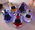 Mini Altavoz Modelo de Coche de Cristal de Colores de Luz LED Flash de la Forma Del Coche Altavoces Inalámbricos Bluetooth Tarjeta TF FM Radio Manos Libres SoundBox