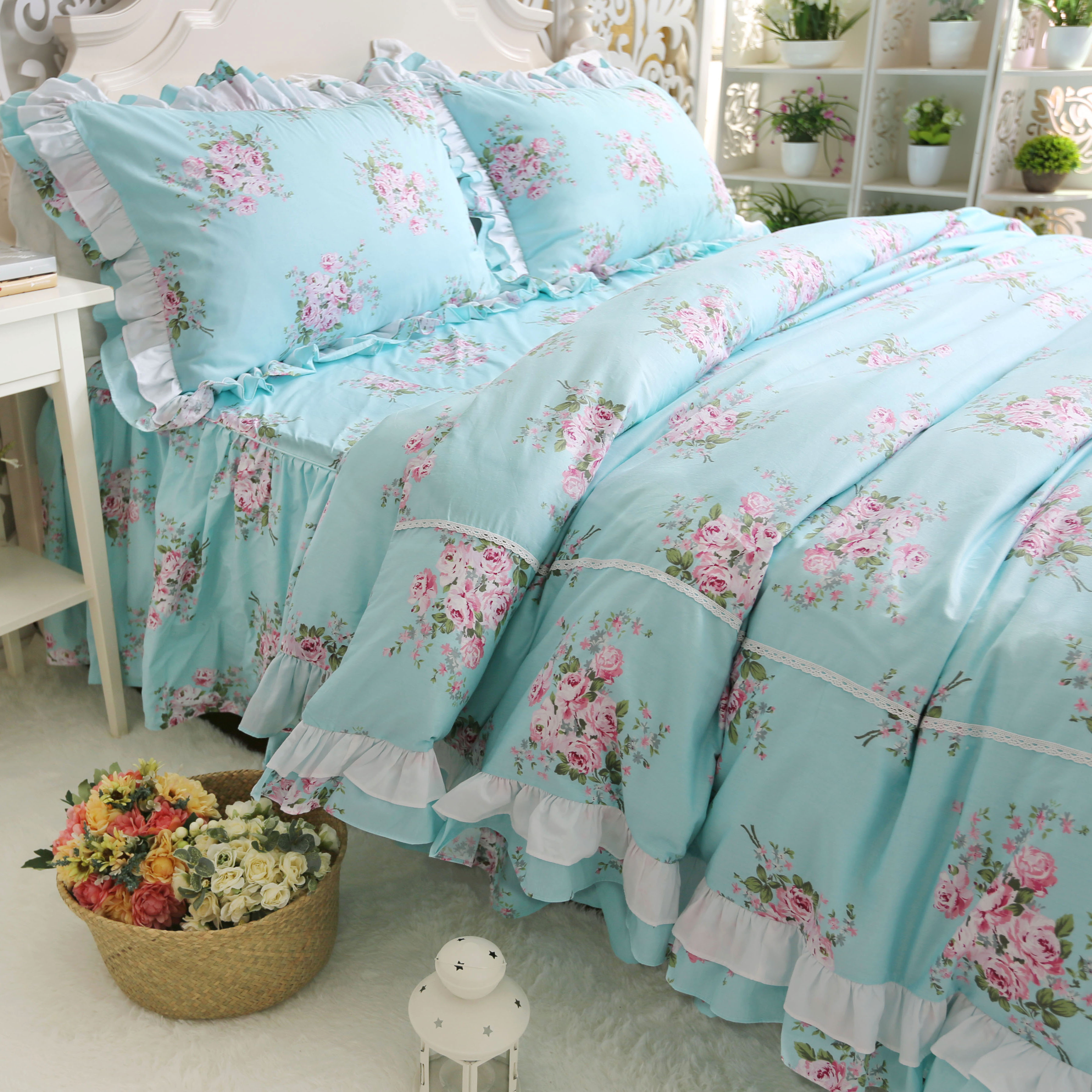 Cotton bedding set twill ruffled quilt cover pillowcase plant flower and bird print with bleaching bed spreadCotton bedding set twill ruffled quilt cover pillowcase plant flower and bird print with bleaching bed spread