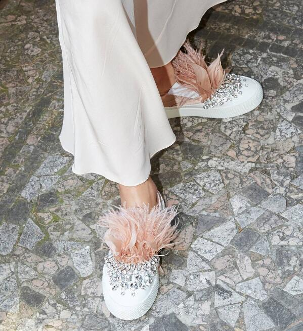 2017 Newest Fashion Pink Feather Women Round Toe Flats Luxury Crystal Ladies Slip On Shoes Thicken Bottom Female Shoes women round toe flower ladies beautiful flats shoes green fashion rubber sole applique loafers walking slip on embellished 2017
